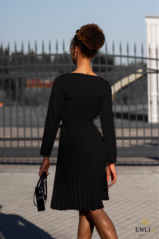 Juoda plisuota suknelė DIVA