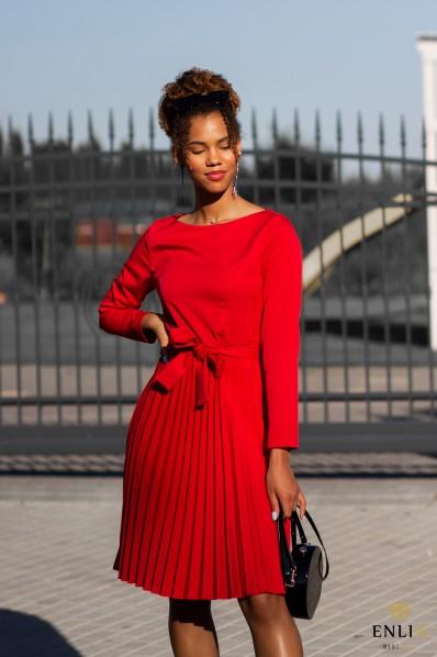 Raudona plisuota suknelė DIVA