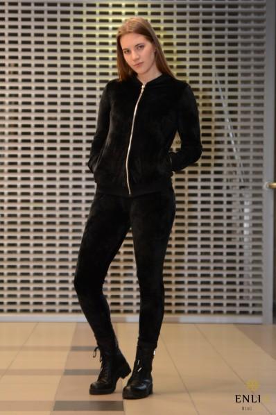 Veliūrinis, juodos spalvos kostiumas LAURITA