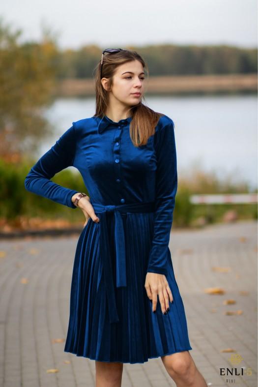 Gofruota, veliūrinė, debesų mėlynumo suknelė ARMIKA