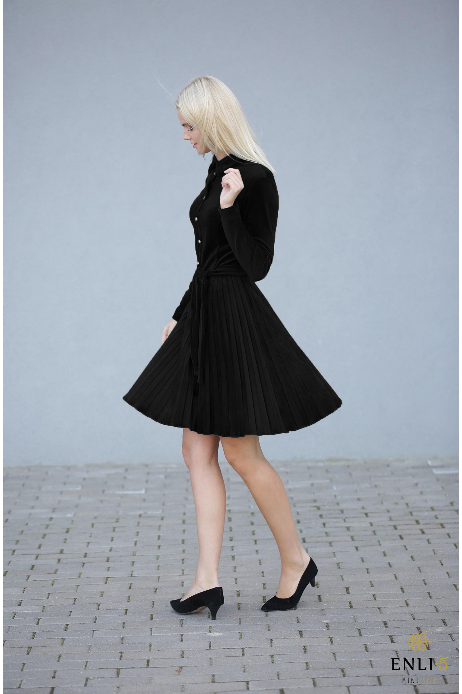 Gofruota, veliūrinė suknelė ARMIKA | Juoda suknelė