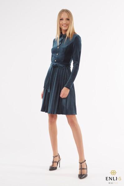 Gofruota, veliūrinė suknelė ARMIKA | Smaragdinė suknelė