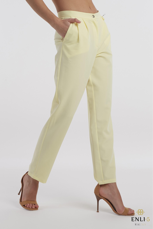 Geltonos, stilingos klasikinės kelnės