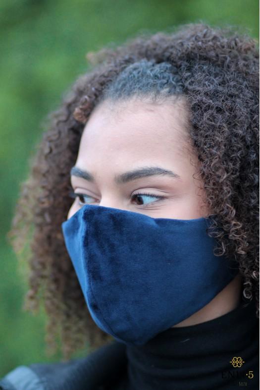 Tamsiai mėlyna veliūrinė kaukė