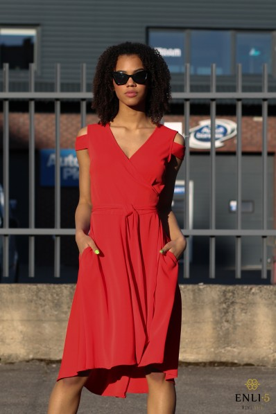 Raudona, susiaučiama suknelė NIDA-2